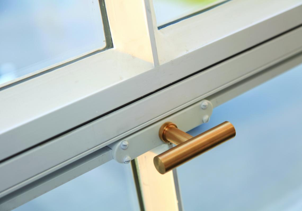 MHB Classic ISO: traditional and landmark steel profiles, thermally broken with narrow sightlines.