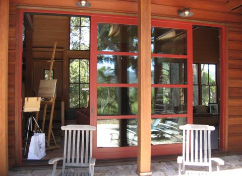 Dover Wood-Aluminum: window and door systems in wood with exterior aluminum cladding. Available with dual-pane glazing and triple-pane glazing.